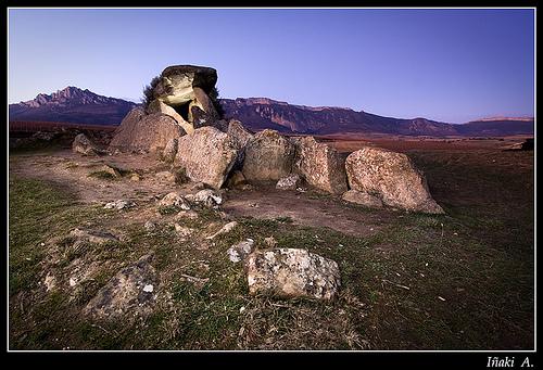 Chabola de la hechicera ( El Villar de Alava )