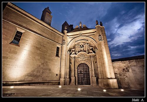 Puerta de San Pedro. ( Viana, Navarra )