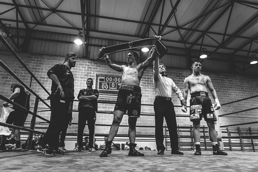 """Fotografías del combate de Boxeo entre Jorge vallejo (Jorge """"Tiburón"""") y Fernando Gandarias (Toro Gandarias)"""