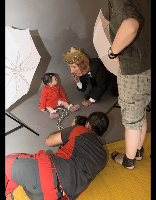 """Making-of """"Alone baby with stressed expression"""""""